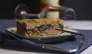 Terrine de foie gras aux châtaignes et fine gelée de Sauterne
