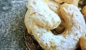 Croissants fondants au citron et aux amandes
