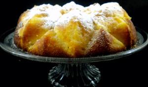 Gâteau moelleux aux pommes et aux agrumes