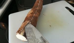 Préparer et cuisiner la racine de manioc