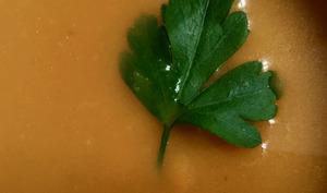 Velouté de patates douces au gingembre