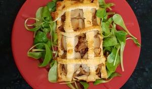 Feuilletés boudin blanc truffé et compotée pommes échalotes