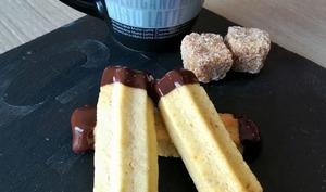 """Biscuits """"Spritz"""" à la noisette"""