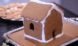 Glaçage ferme pour coller les maisons en pain d'épices