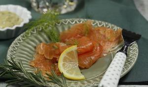Saumon mariné au whisky et béarnaise