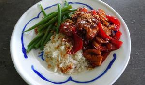 Poulet sauce soja Ketjap et pêches