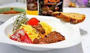 Spaghetti à la sauce tapenade/tomate et magret de canard