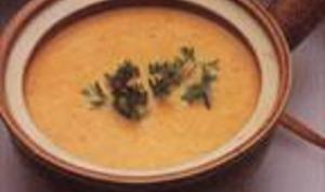Crème de citrouille aux légumes du jardin