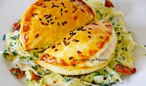 Empanadas à l'effiloché de porc aux poivrons-tomates et bruschetta