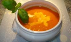 Crème de Tomate au Basilic