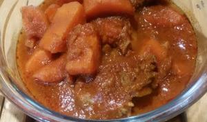 Bœuf carotte à la tomate