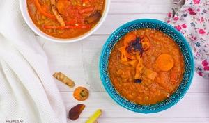 Soupe de lentilles à la tomate et aux abricots