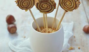 Crêpes sucettes bicolores au chocolat, vanille et noisette