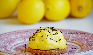 Tartelette au citron jaune et poudre de combava