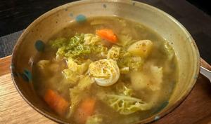 Soupe de chou vert frisé au miso