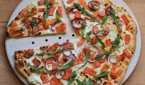 Pizza au saumon fumé et carrés frais