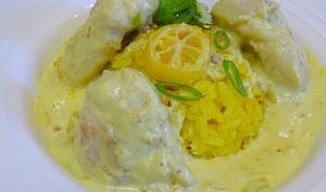 Joues de lotte à la crème de noix de coco et au citron, limequat et riz au curcuma