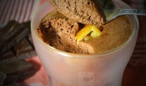 Mousse au chocolat noir et orange confite