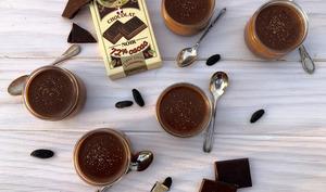Petites crèmes au chocolat et à la fève de tonka
