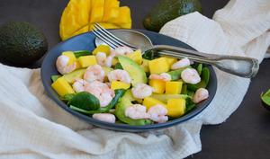 Salade de mâche avocat, mangue et crevettes