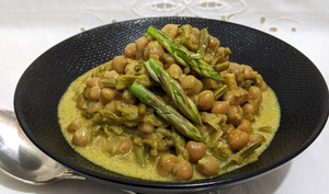 Curry de pois chiche aux asperges sauvages