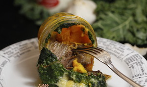 Duo de purée chou kale et potimarron à la cancoillotte et canard confit