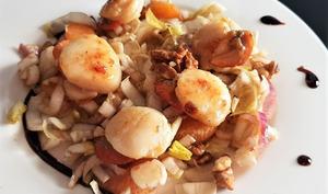 Salade de noix de Saint-Jacques, endives et clémentine