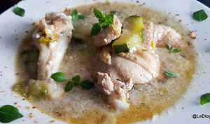 Soupe poulet, poireau et courgette