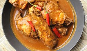 Adobo de poulet au lait de coco