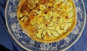 Quiche aux courgettes, fromage de chèvre et pignons de pin