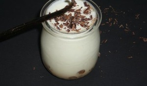 Yaourt à la vanille et aux pépites de chocolat