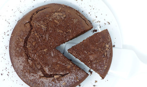 Moelleux au chocolat au Philadelphia, crème anglaise express au micro-ondes