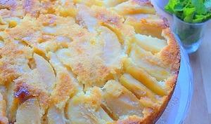 Gâteau au yaourt et aux pommes hyper moelleux