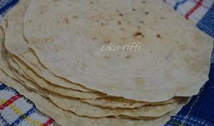 Pain plat , tortillas ou galettes pour sandwichs - Zika Riffi