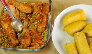 Pilons de poulet, aux petits pois bananes plantains