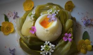 Oeuf mollet de Pâques en nid de poireau