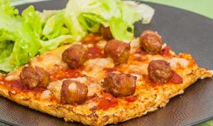 Pizza de chou fleur aux merguez