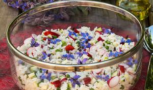Salade de riz aux fleurs de bourrache