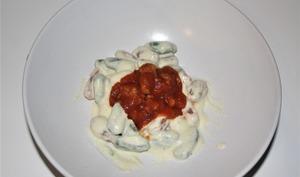 Malloreddus à la crème de parmesan, sauce tomate et saucisse italienne