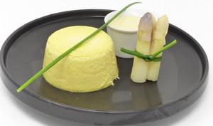 Flan d'asperges, sauce à l'orange