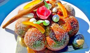 Gâteau moelleux à la cannelle, aux fruits secs et confits
