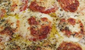 Gratin d'aubergines et tomates à la mozzarella et piment d'Espelette
