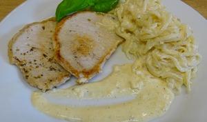 Veau ou porc sauce au camembert, spaghetti de céleri