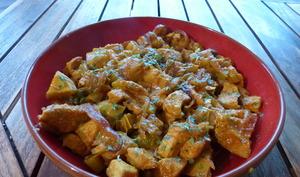 Tajine au poulet, artichauts, olives et câpres