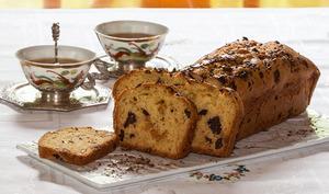Cake aux éclats de chocolat, vanille et oranges confites