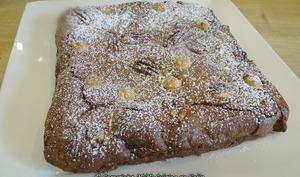 Brownie chocolat, noisettes, noix de Macadamia et canelle