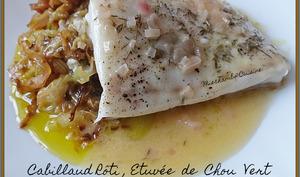 Cabillaud rôti, étuvée de chou vert et beurre blanc
