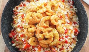 Poêlée de crevettes épicées et vitaminées au riz basmati