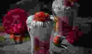 Coupe a la fraise : Mousse et aspic au miel