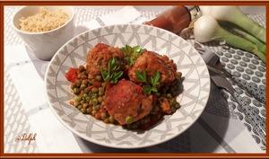 Boulettes de Viande parfumée au paprika, tomates et petits pois